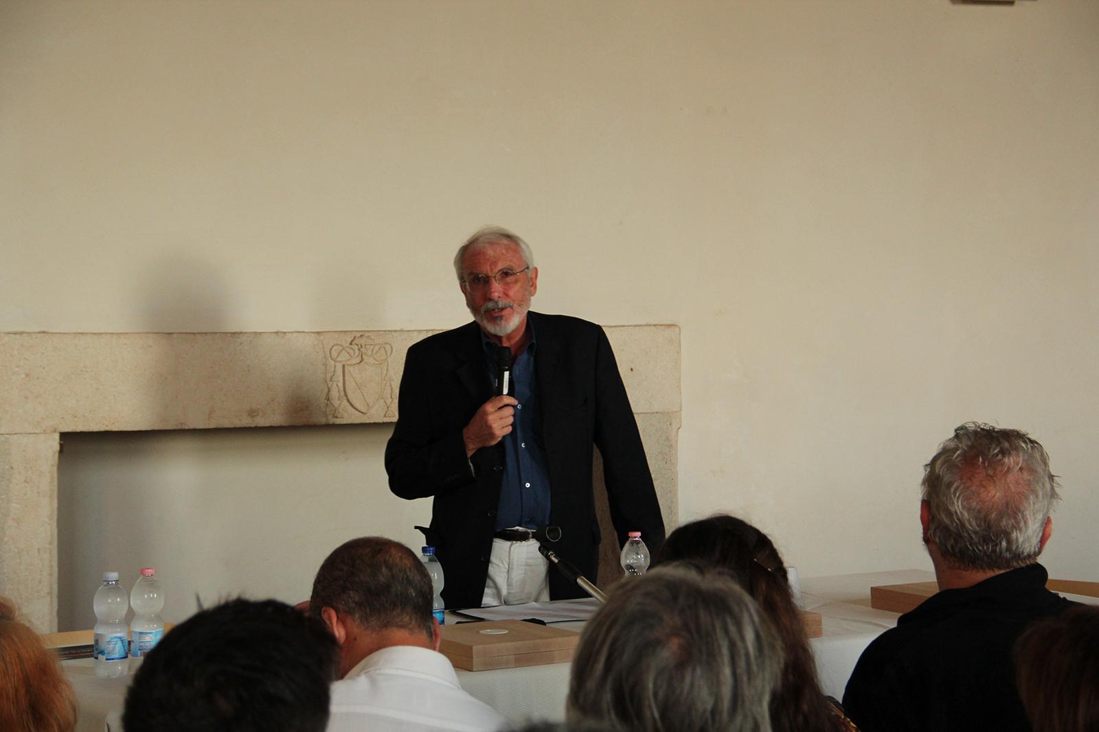 La cerimonia di premiazione. Il Prof. Luca Basso Peressut, Direttore del Premio Piranesi